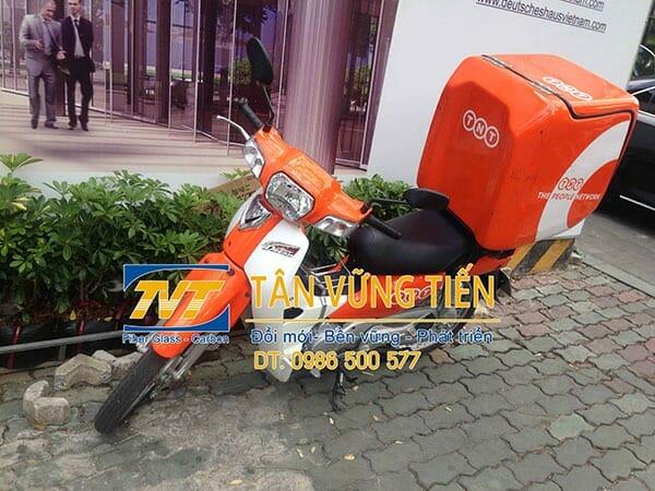 Thung-cho-hang-sau-xe-gan-may-gia-re-tai-TP HCM